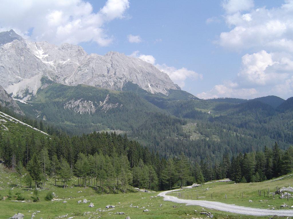 Sentier de randonnée de montagne, dans les Alpes autrichiennes