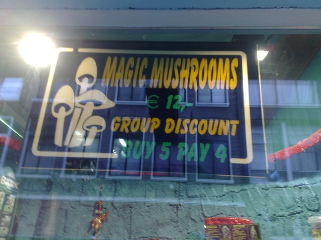 Promotion pour des Magics Mushrooms dans un magasin d'Amsterdam