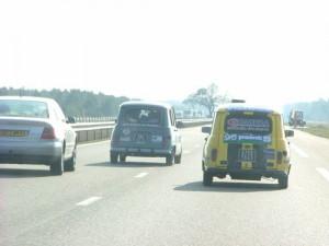 4L sur l'autoroute, non loin de Bordeaux