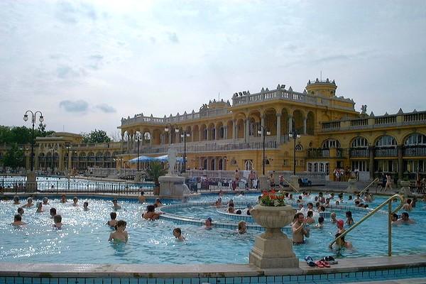 bains Széchényi